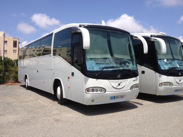52 seater